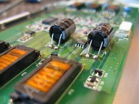 A&D Serwis naprawa monitorów Belinea, naprawa inverterów.